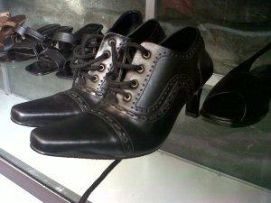 Distributor Sepatu Sandal Pantofel Kulit Wanita Bigstofle Surabaya