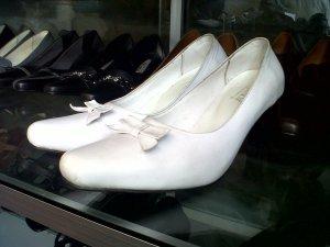Produsen Sepatu Kulit Asli Wanita Surabaya
