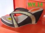 Produsen Sandal Wedges Wanita Surabaya